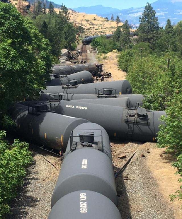 mosier crude derailment